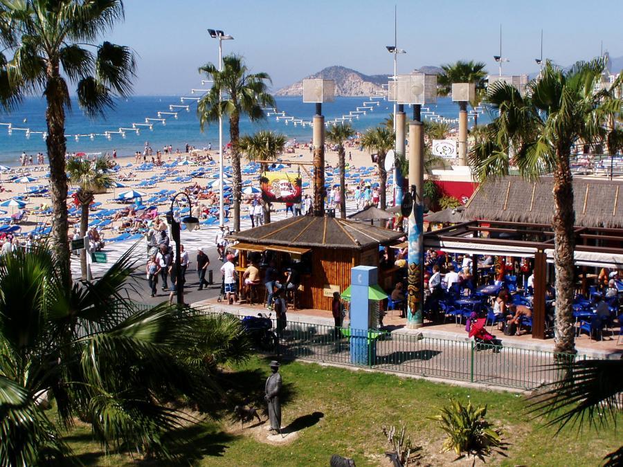 Apartamento -                                       Benidorm -                                       3 dormitorios -                                       6 pax ocupantes